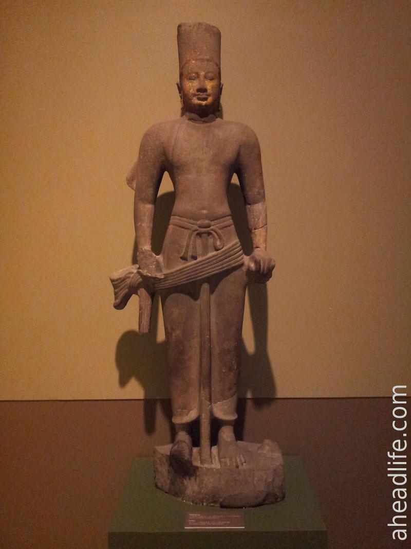 Статуя Вишну (Национальный музей в Бангкоке)