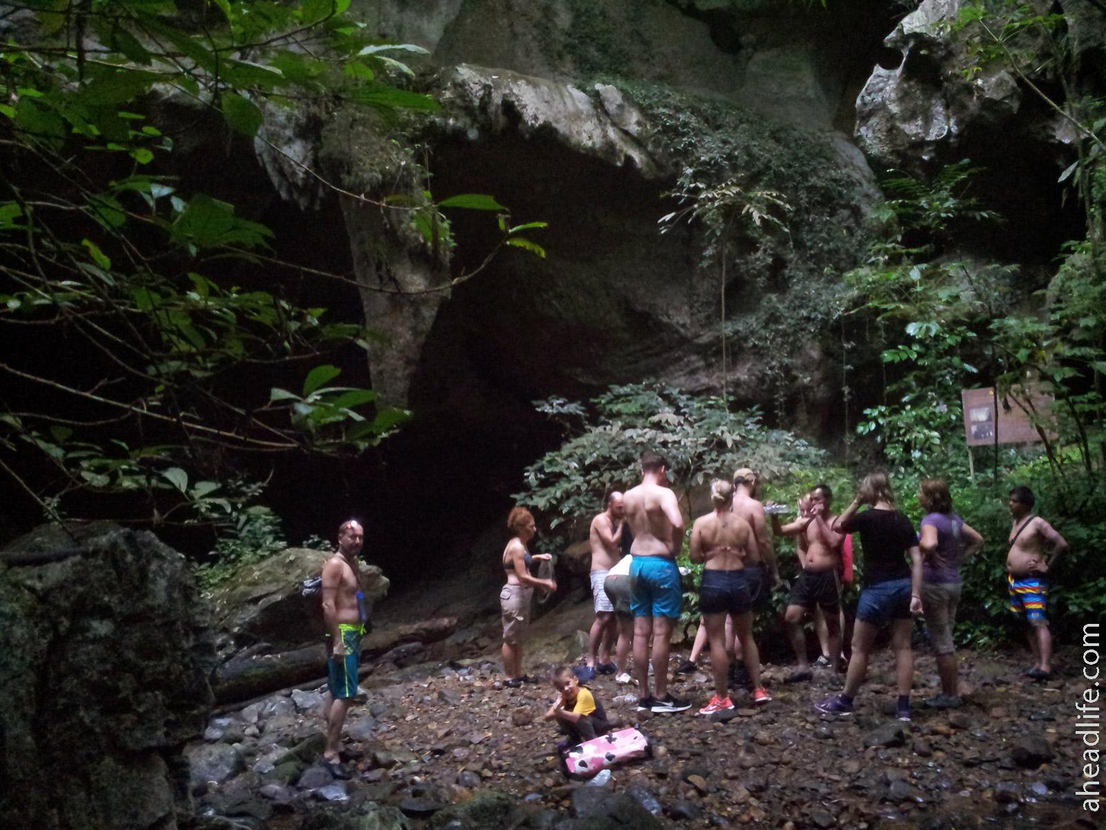 Наша группа на выходе из пещеры