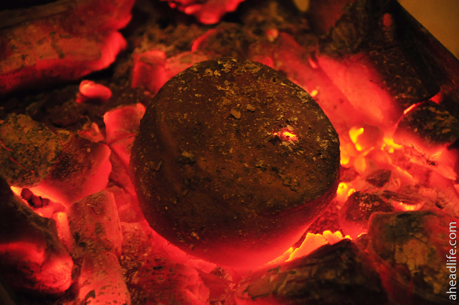 Обжиг глины в мангале