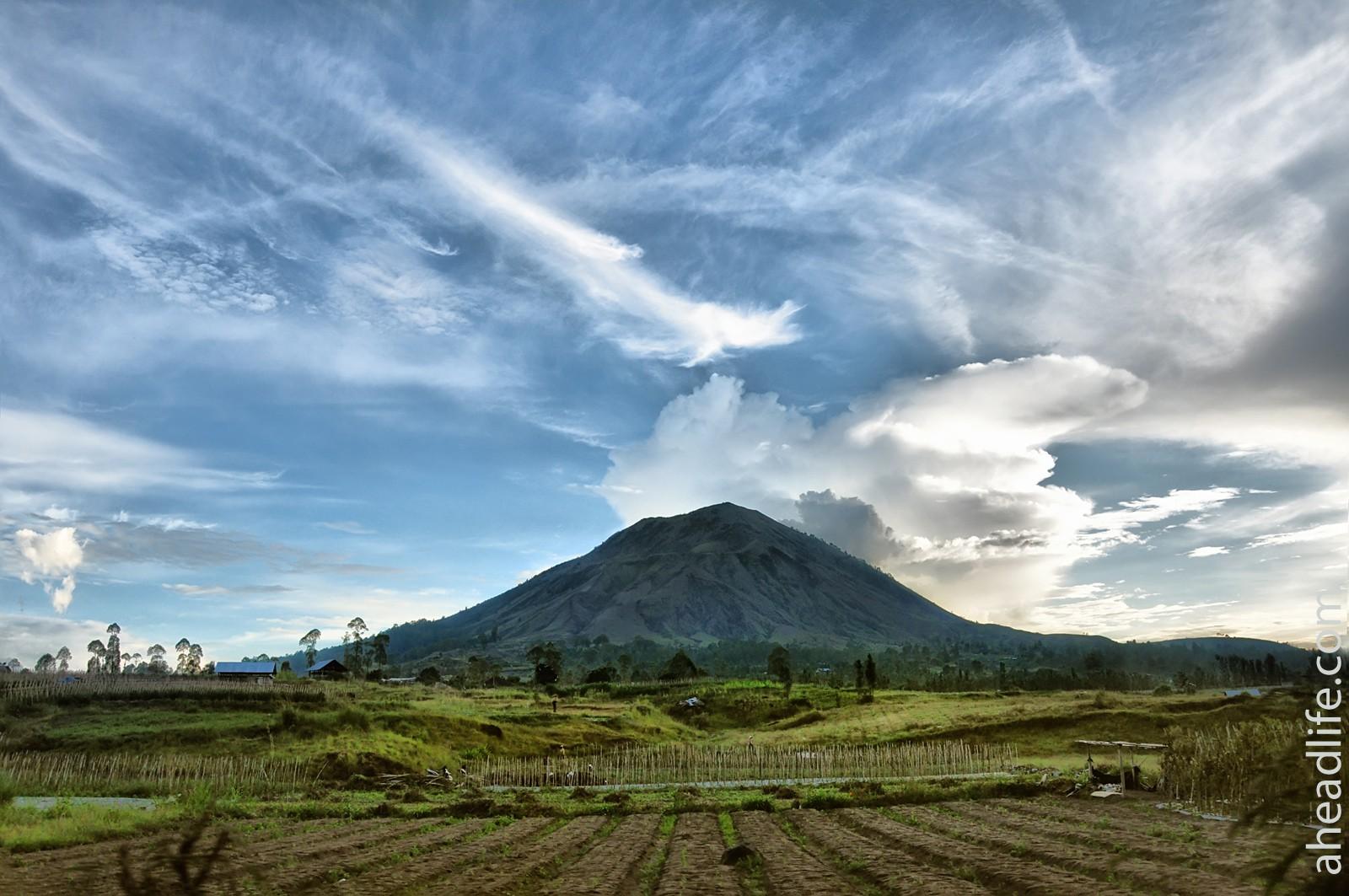 В кратере вулкана