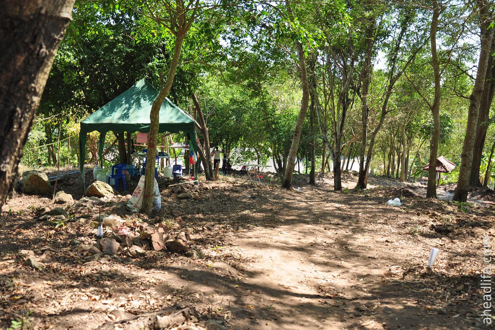 Археологические раскопки на Холме Шри Виджаи