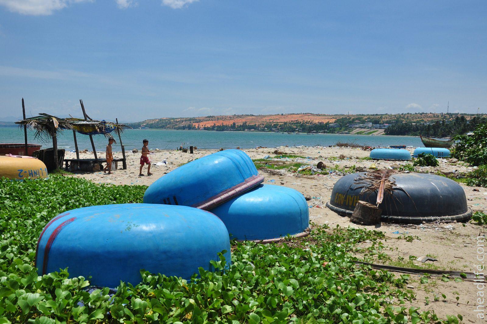 Вьетнамские круглые лодки Тхунг Чай