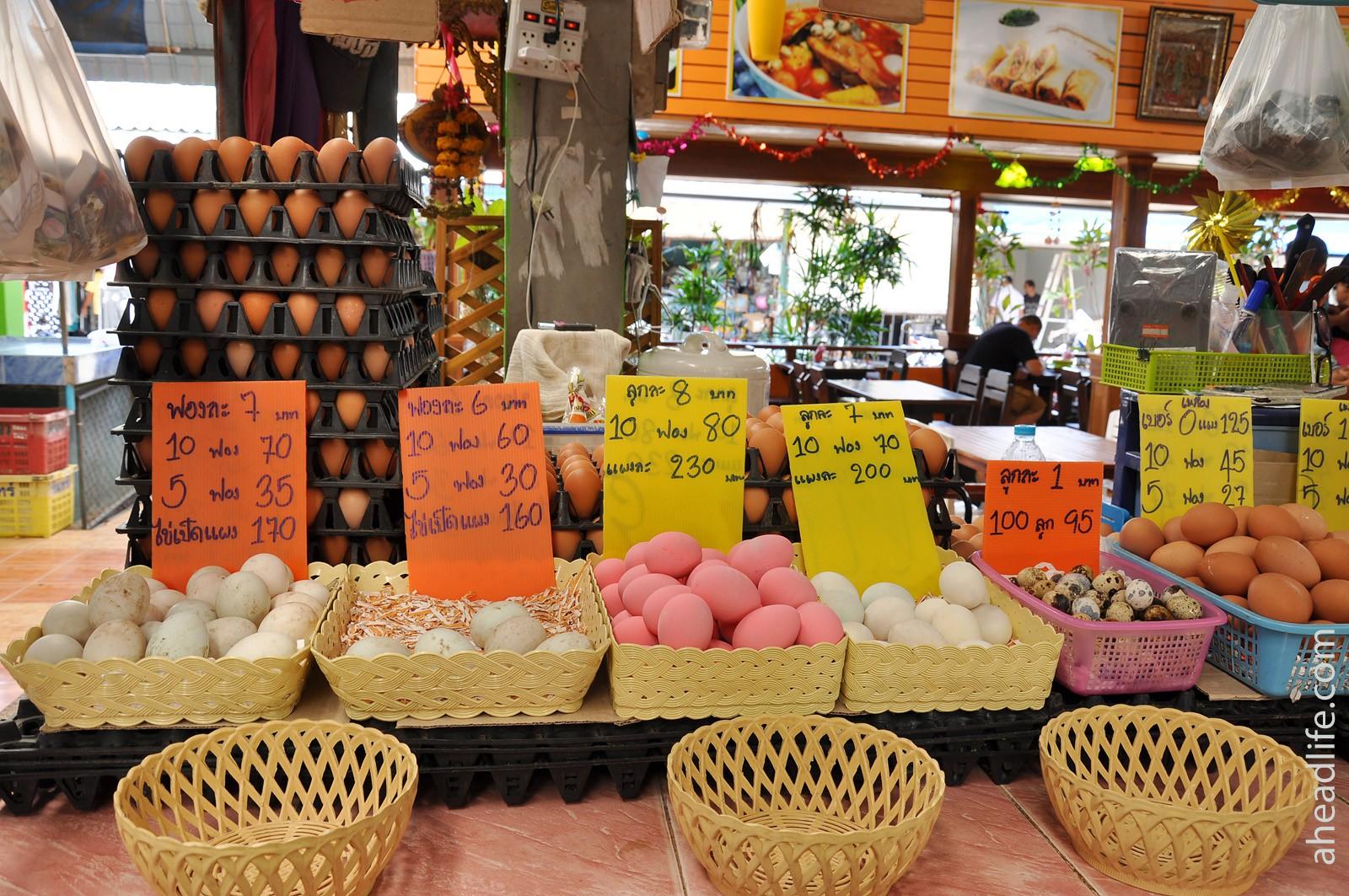 Яйца на тайском рынке