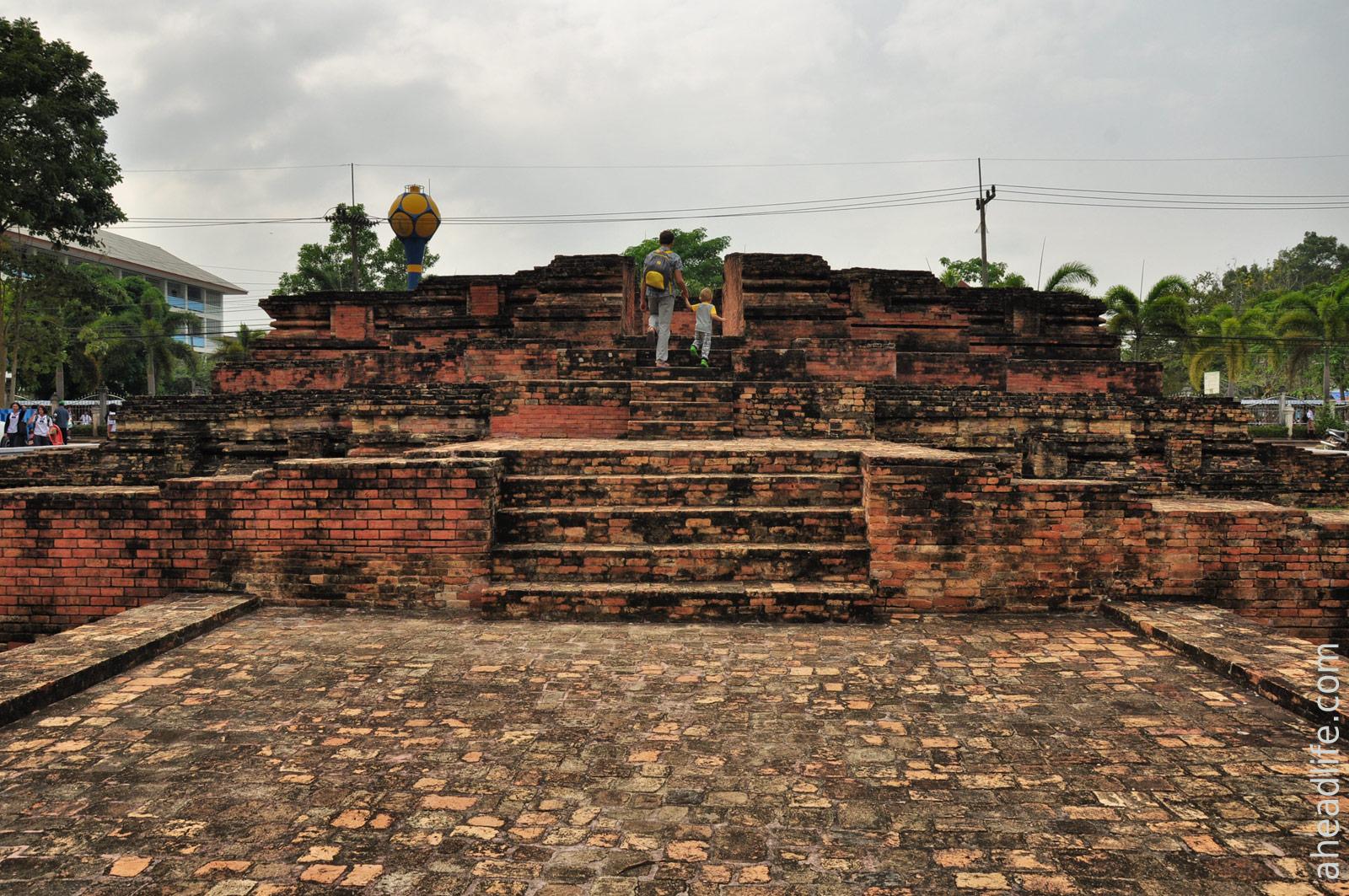 Чедди Wat Long