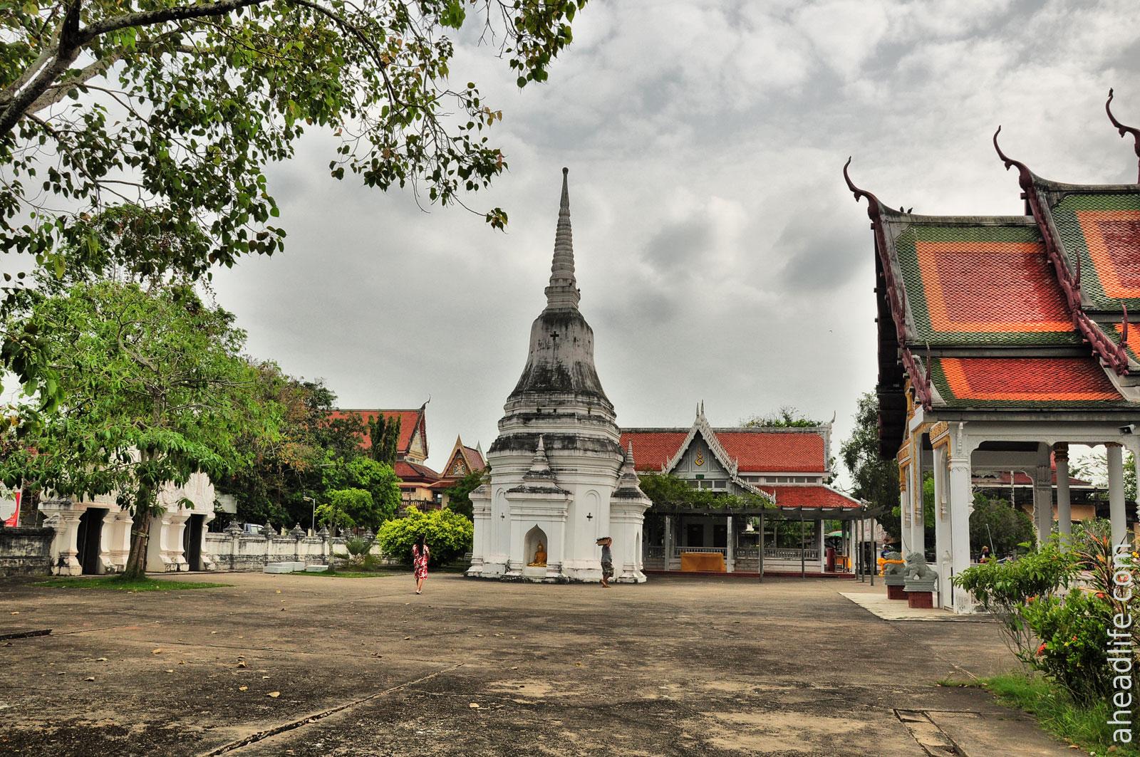 Ступа Wat Phra Borommathat