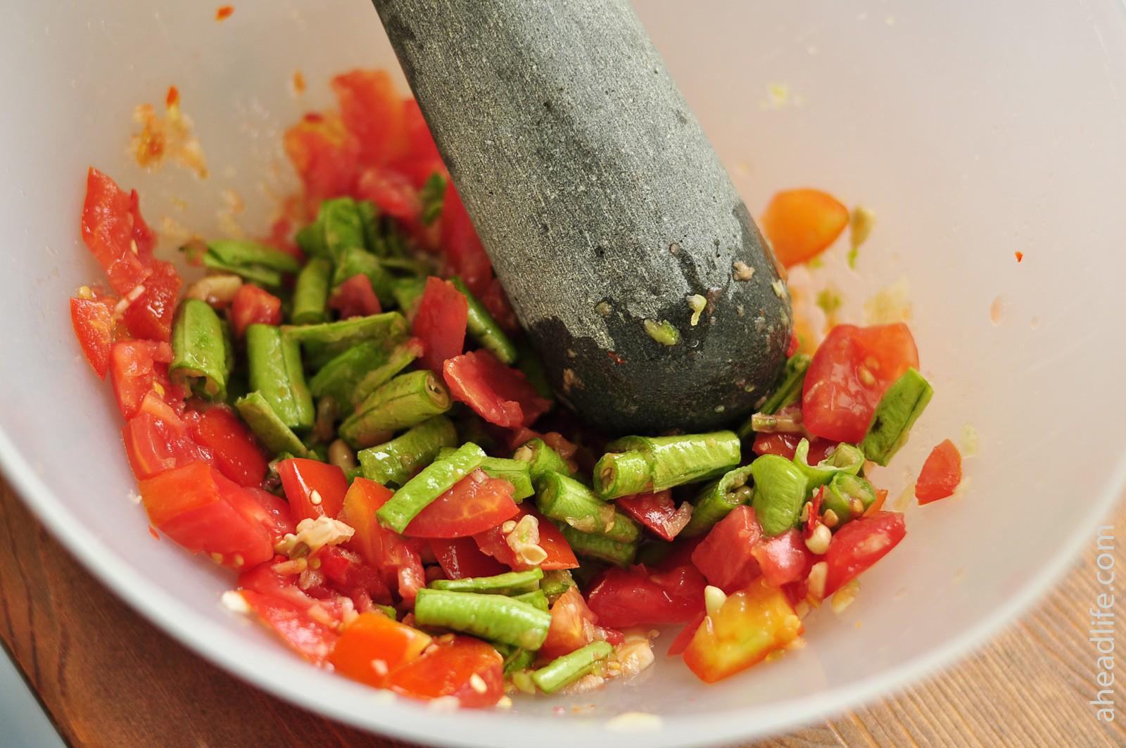 Салат из папайи Сам Том: как готовить